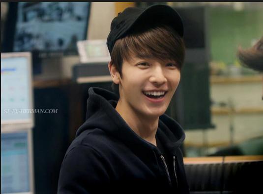 donghae cute smile.jpg